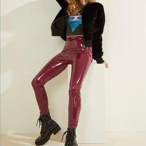 GUESS Gigi patent legging garnet wine size XS